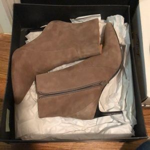 Banana republic Magda booties